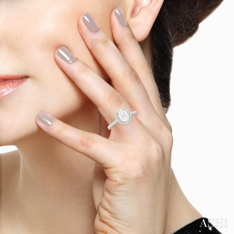 Oval Shape Lovebright Essential Diamond Ring
