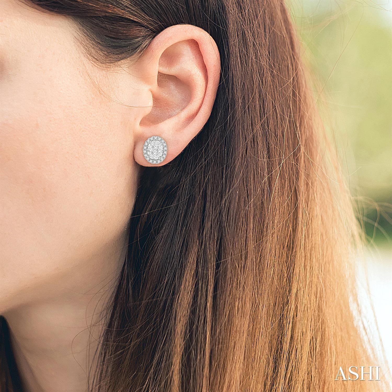 Oval Shape Lovebright Essential Diamond Earrings